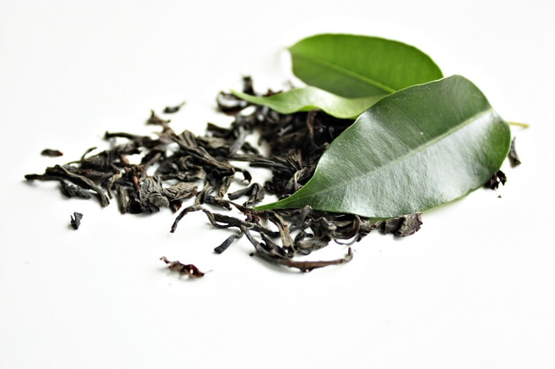 why dogs shouldn't eat tea leaves
