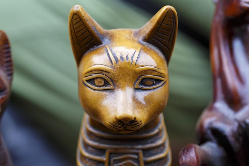 cats as religious deities _ statue of the Egyptian cat god